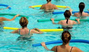 Упражнения в басейне - способ лечения клиновидной деформации позвонков